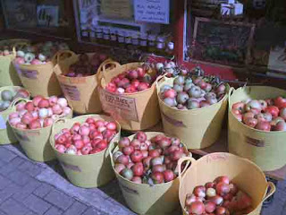 APPLE FEST AT THE HIVE-80 Different Varieties