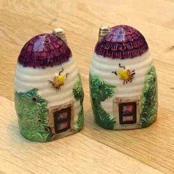 Beehive Salt & Pepper Set