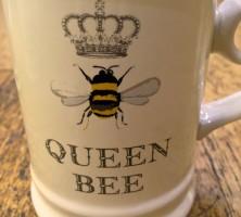 Queen-Bee-Mug-3